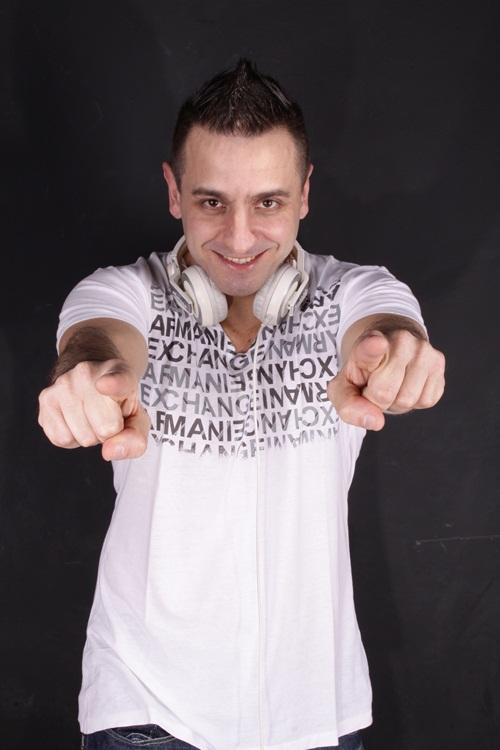 DJ-Alessandro-Kalero-vert