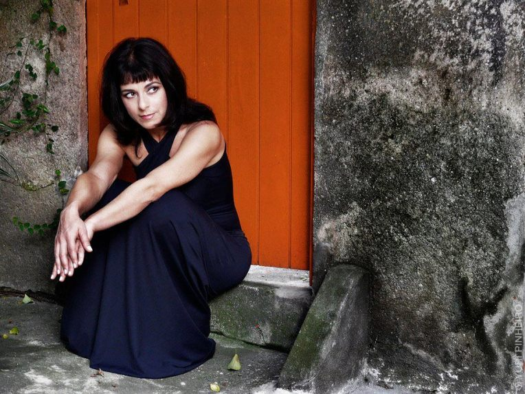 Natalia_Barros_-_by_Yuri_Pinheiro_-_2009